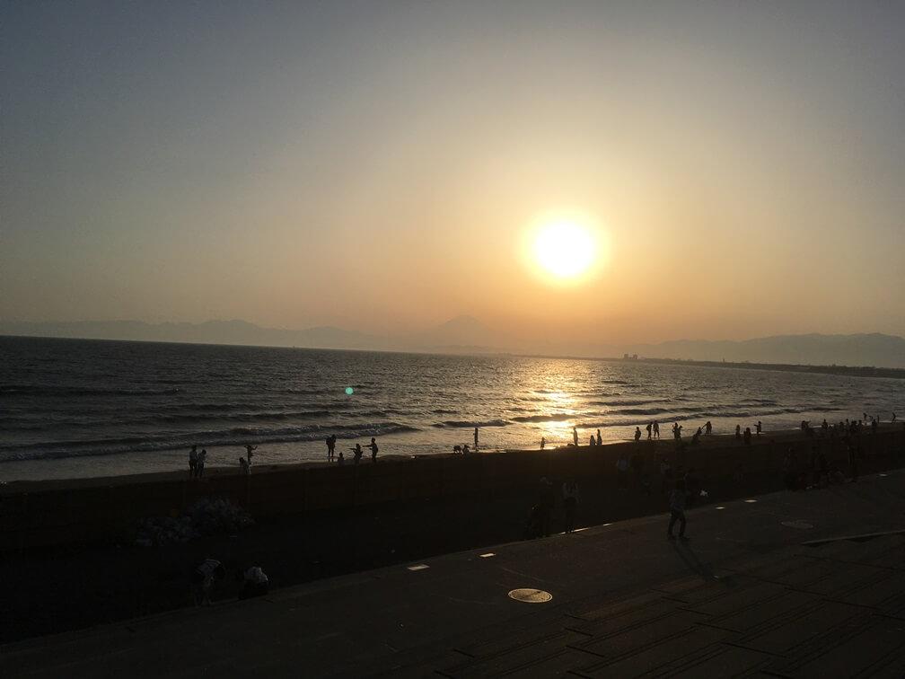 江ノ島海岸からの夕日